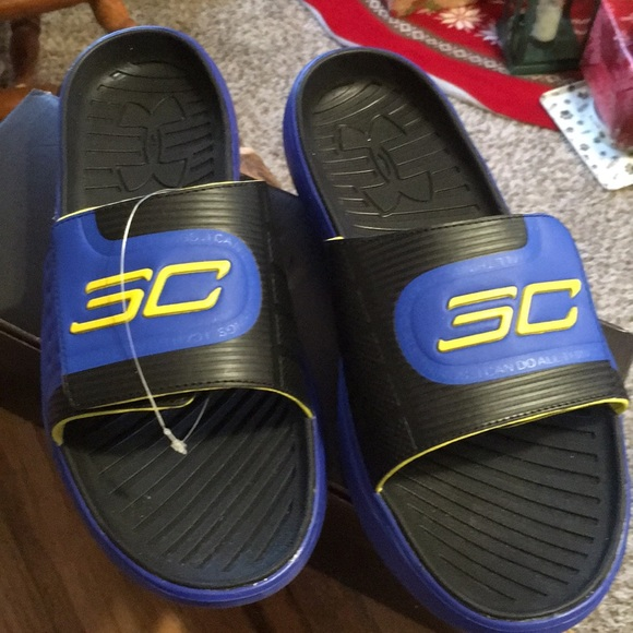 d35ccd1ccc97 Steph Curry Under Armour Slides.